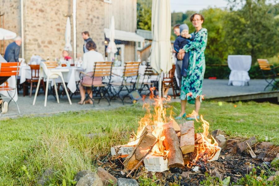 Hochzeit mit Lagerfeuer