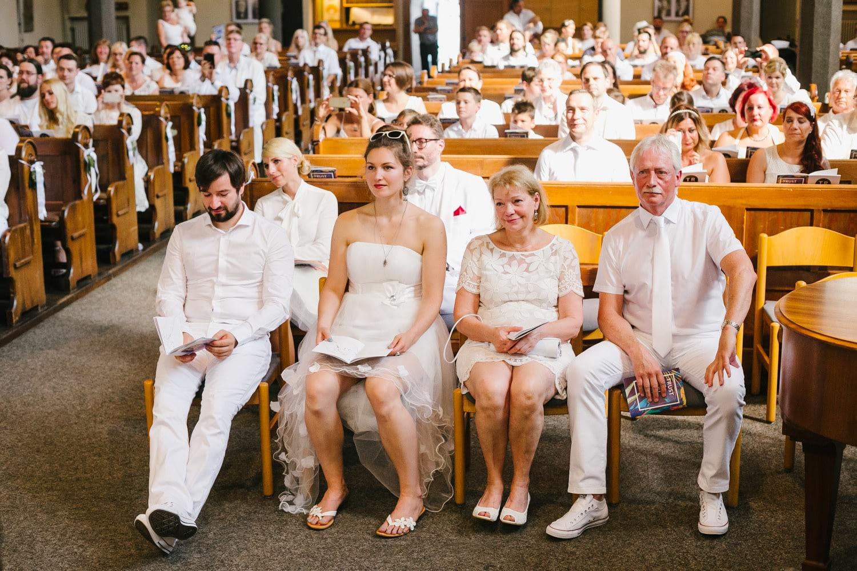 Kirche Hochzeitsgäste