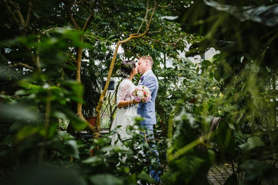Garten Brautpaar
