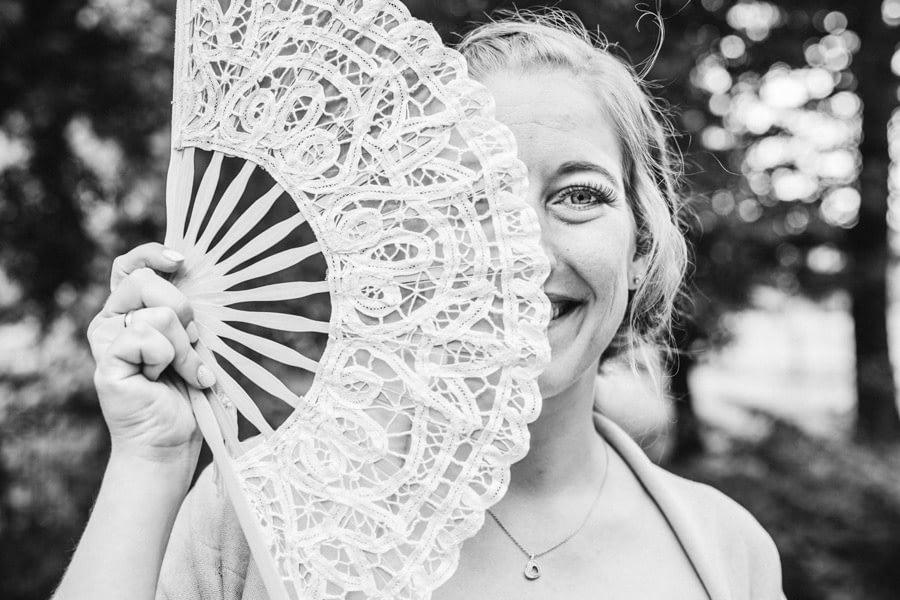 Fächer Braut
