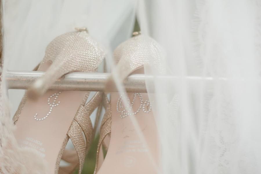 Brautschuhe mit Schrift
